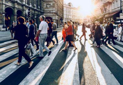 Istat, italiani più soddisfatti della vita: voto 7