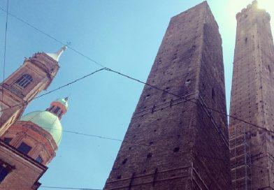 Bologna,  intervento di edilizia acrobatica per la Torre degli Asinelli
